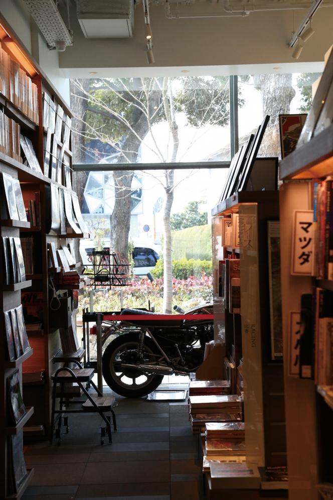 アヘッド 「リンドバーグ」から「代官山 蔦屋書店」へ