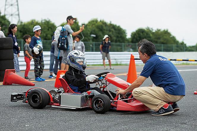 アヘッド 夏休みの思い出と、親子電気レーシングカート教室