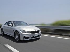 BMW対決!M6対M4、勝敗はいかに?