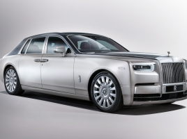 エリザベス女王の公用車、ファントムが14年ぶりにモデルチェンジ!新車価格は7,200万円!?