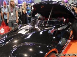 12月18日に公開されたスターウォーズ最新作…帝国仕様のダースベイダーカーの正体とは?
