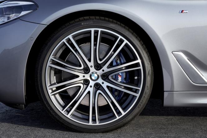 BMW 5シリーズ 2017