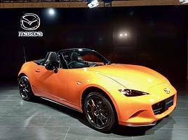 世界で3000台限定生産のマツダロードスター30周年記念車が日本初公開!