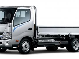 トヨタの小型トラック「トヨエース」の魅力・中古車事情は?