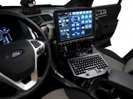 アメリカで流行のSUVパトカー!犯人を捕まえるための特別装備とは?