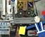 高速道路の工事現場にいる人型ロボットの男性、いったい誰?名前は?