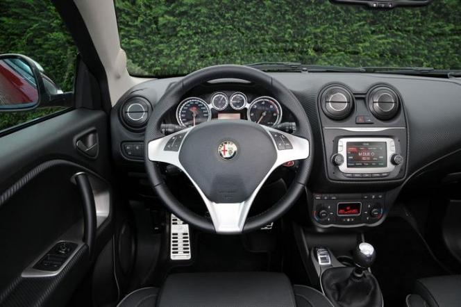 Alfa Romeo Mito 2013年モデル インテリア