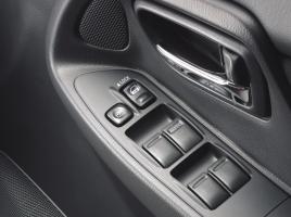 鍵を持っていない状態で、車のドアロックをかける方法ってあるの?