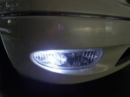 かつて多くの車に装備されていたコーナリングランプ…減少している理由とは?