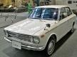トヨタ カローラ セダンはおじさん車?!購入者の平均年齢が70歳に!