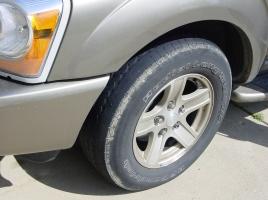 なぜミニバンのタイヤは片減りしやすいのか?