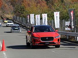 ジャガー新世代EV「I-PACE」が国内走行初披露!旧車から最新EVまで100台以上が集結「浅間ヒルクライム2018」
