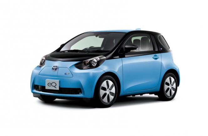 トヨタ eQ 電気自動車