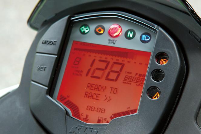 アヘッド KTM 390DUKE