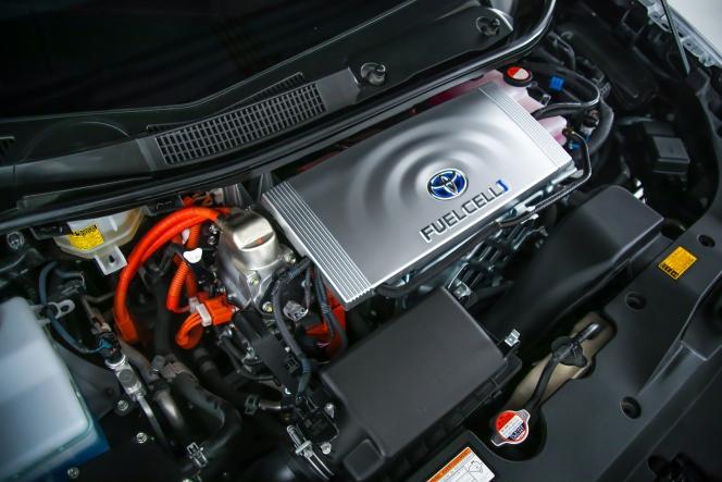 燃料電池車 トヨタ ミライ