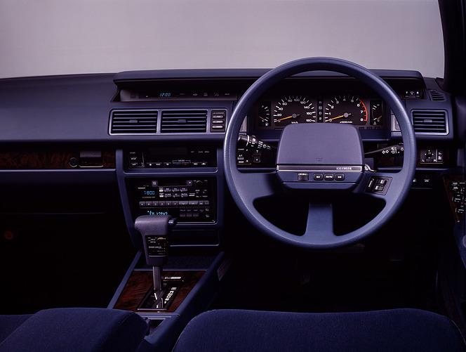 日産 グロリア 1989 V30 Turbo Brougham VIP