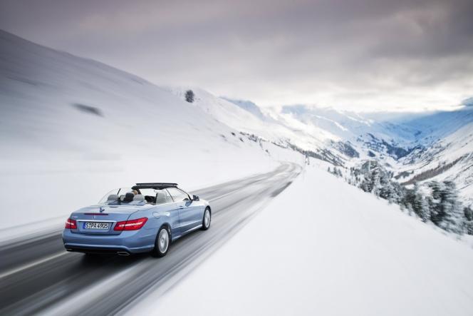 冬 スポーツカー