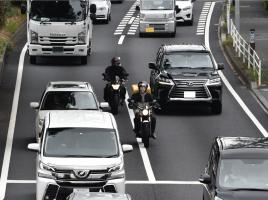 バイクのすり抜けによる接触事故…逃げられた際の対処法は?