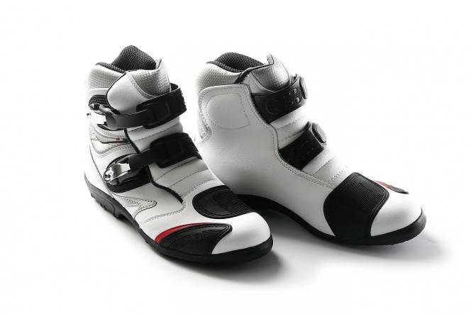 アヘッド 靴