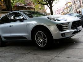 あなたは見分けがつく?中国自動車メーカーがマカンのパクリ「Zotye T700」を発表