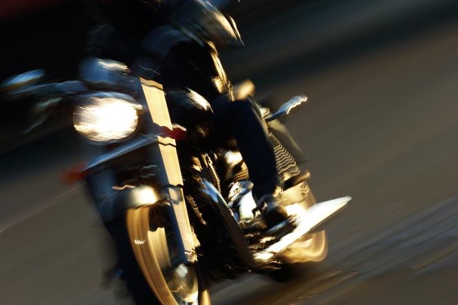アヘッド バイク