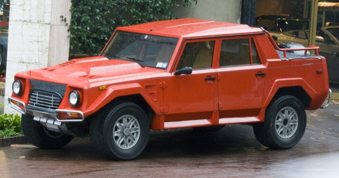 ランボルギーニ LM002