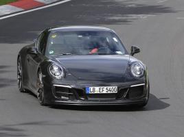 ポルシェ 911 カレラ GTS改良新型、455馬力の走りをニュルで披露!