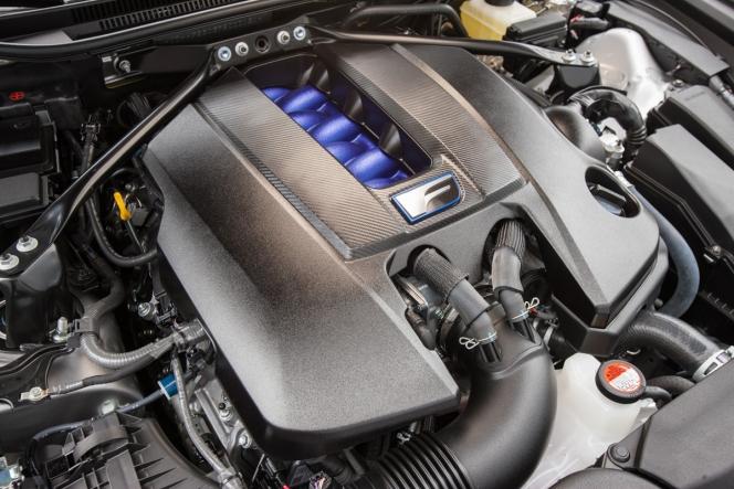 レクサスRC Fに搭載される5.0L・V8エンジン