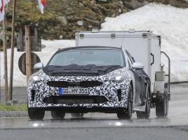 起亜、400馬力の高級4ドアクーペ「GT」市販モデルをキャッチ!