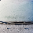 フロントガラスの霜取り、なぜ熱湯はダメなの?