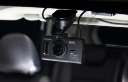 フルハイビジョンで高精細録画!煽り運転にも対応の2カメラドライブレコーダー「データシステム DVR3100」