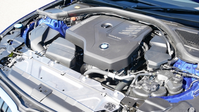 BMW 330i Mスポーツ 鈴木ケンイチ
