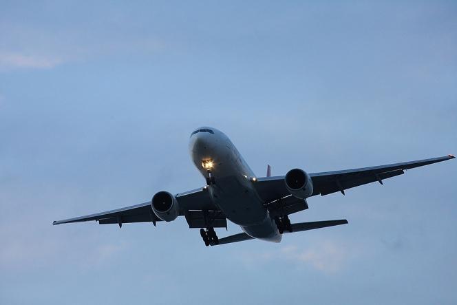 アヘッド 飛行機