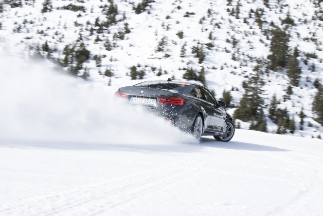 雪道 BMW