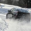 舗装路対策された冬タイヤ