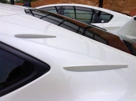 最近増えている車体の小さなフィン。これらを取り付ける意味とは?