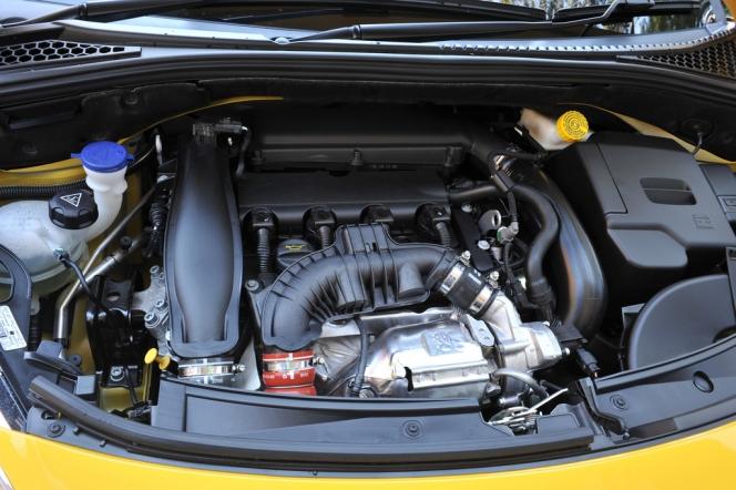 AMG エンジン