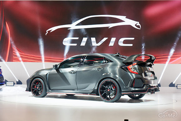 新型シビックタイプR(欧州仕様ハッチバック・パリモーターショー2016)