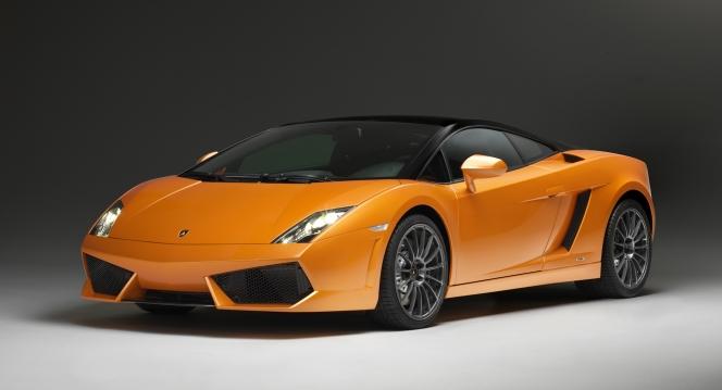 クルマ好きなら誰しもが憧れるであろう「スーパースポーツカー」。毎年綺羅星のように現れる新型モデルに羨...