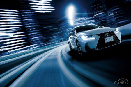 レクサス ISはスポーツセダンとして洗練されたデザインと走行性能があります。そのままでも十分かっこいい...