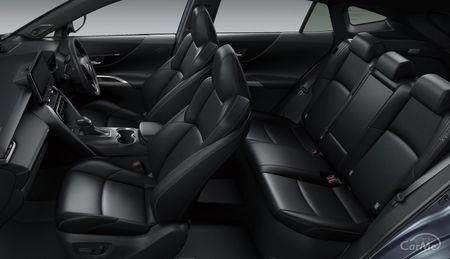 今回はトヨタが誇る高級クロスオーバーSUV、新型トヨタ ハリアー(MSUA7#W/ASUH7#W型)のリアシート(後部座席...