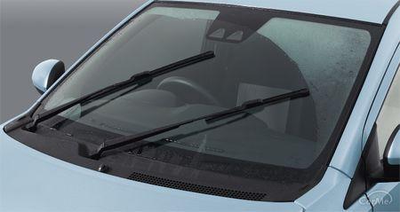 ダイハツのミライースは「低燃費」「低価格」「安全装備」の3つが支柱となり、第3のエコカーとして人気を集...