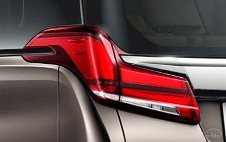 アルヴェルはトヨタが販売するミニバンのアルファードとヴェルファイアを総称する言葉です。姉妹車だけに似...