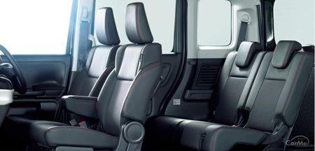 スズキのスペーシアカスタムは、高い居住性と優れた安全装備の両立が実現された軽ハイトワゴンです。ノーマ...
