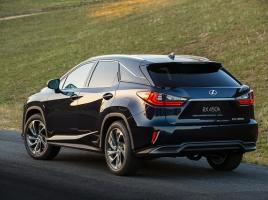 目標台数の18倍!?高級SUV レクサスRXは何がヒットした?概要とおすすめポイント紹介