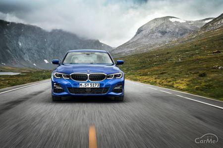 7代目 BMW3シリーズG20型(3BA-5F20・3DA-5V20)の収納の使い勝手と機能性を紹介します。2019年1月にフルモデ...
