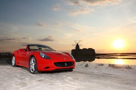 イタリアの情熱が生み出した「フェラーリ」。エキゾチックなスタイルと高性能の証でもある跳ね馬ロゴを持つ...