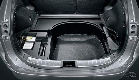 3代目トヨタ ハリアー(ZSU60W・ASU60W・AVU65W)の収納機能は利便性が抜群です。トヨタが誇るプレミアムSUV...