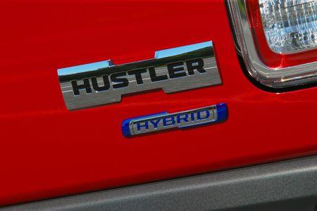 今回試乗したスズキ ハスラー(MR52S型) Jスタイルターボ 4WDの車両本体価格は、182万3800円。このモデルを...