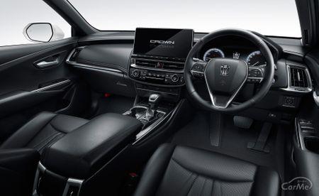 トヨタを代表する高級セダンであるクラウンに、プリウスなどで培われた本格的なハイブリッドシステムを搭載...